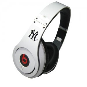 Beats By Dr.Dre Studio New York Yankees Limited Edition Over-Ear Headphones