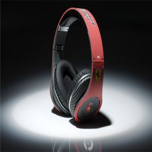 Beats By Dre High Definition Powered Isolation Headphones Ferrari Red Carbon Fiber Limited Edition